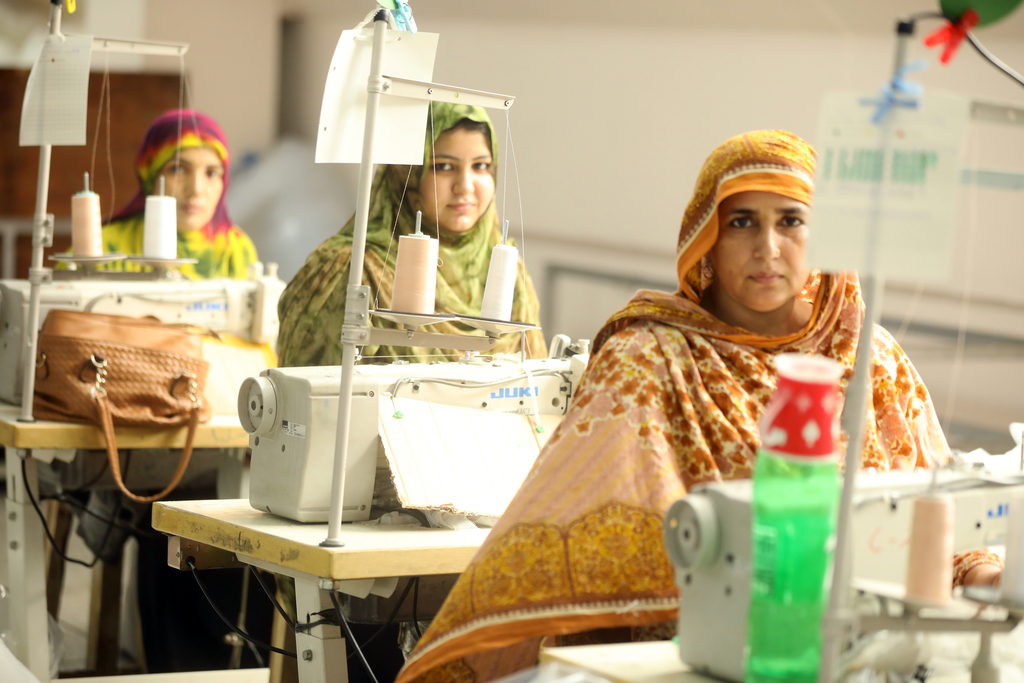 TANA Netting | Female unit production at HSNDS factory in Pakistan